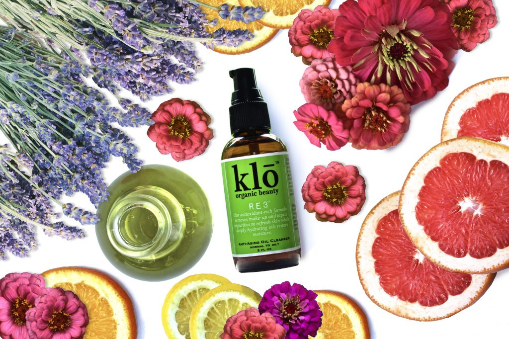 Klō Organic Beauty RE3 oil cleanser for acne-prone skin with cut citrus and lavender